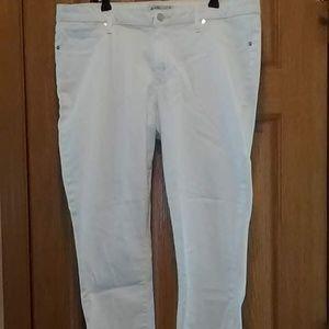 JustFab Stretch Capri Jeans Size 36/16 EUC!